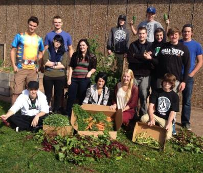 students-with-harvest